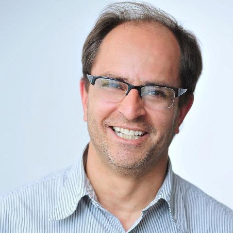 4-Quem comemora mais um ano de vida hoje é o jornalista, José Luiz Pereira de Arruda. Parabéns!!