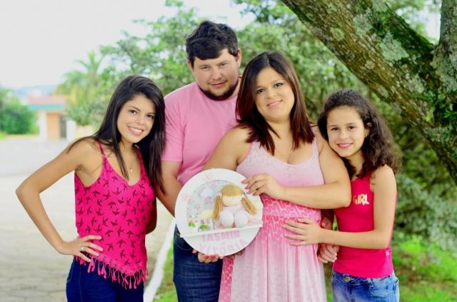 A felicidade que chega de Otacílio Costa: Josimara Moreira com sua linda família e aguardando a chegada de mais uma princesa! Foto Sandra Rosa