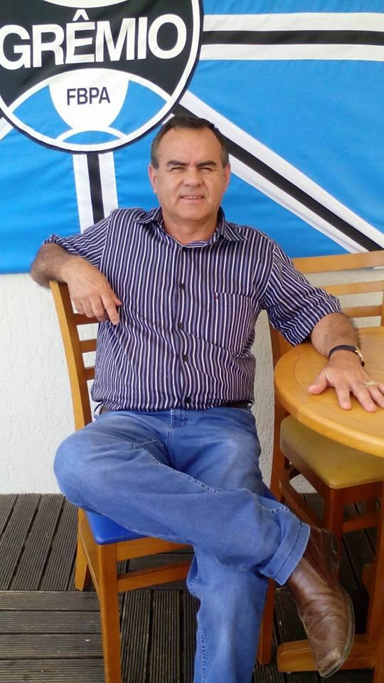 O aniversariante do dia de hoje tem um coração azul! Parabéns para o empresário João Lima de Andrade, que vai festejar a especial data ao lado da família