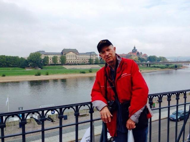 Os parabéns de hoje vão para o querido Renato Fenili, que no click está emoldurado pelas paisagens da paradisíaca Dresden na Alemanha