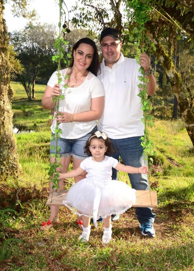 No sábado será comemorado o aniversário da pequena Isabella Guanabara Zanotto. Os felizes papais Rafael Zanotto e Vanessa Guanabara estão preparando linda festa no clube Caça e Tiro Foto Caroline Parizotto