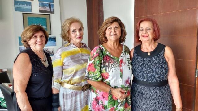 As elegantes ladies Benta Cristofolini, Valci Vieira, Rita Parizotto e Vilma Branco, durante uma das especiais tardes do Clube da Lady