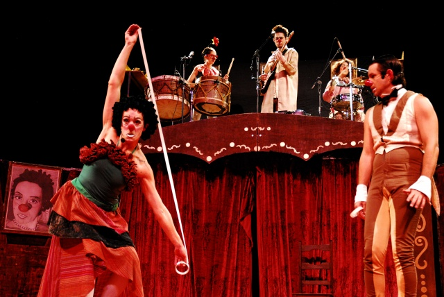 "O espetáculo ""Manotas Musicais"" do Grupo Trampulim estará rodando os palcos de Santa Catarina Credito Flavia Mafra"