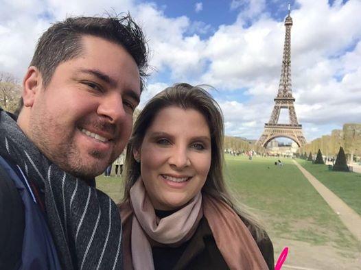 Mário Cusatis e Carla Carnevalli Cusatis curtindo férias em Paris