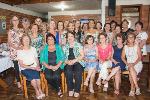Aposentadas do Colégio Belisário Ramos comemoraram 25 anos de encontro e amizade