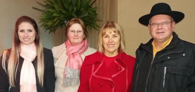 José César e Sueli Feldhaus com Bruna Ramos Feldhaus e Anelise Bublitz