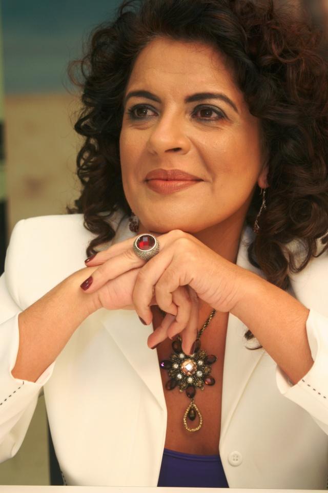 """Dulce Magalhães, uma das dez palestrantes na área da Educação mais requisitadas do Brasil, estará no Congresso de Educação de Lages, com o tema """"A arte de viver a mudança"""""""