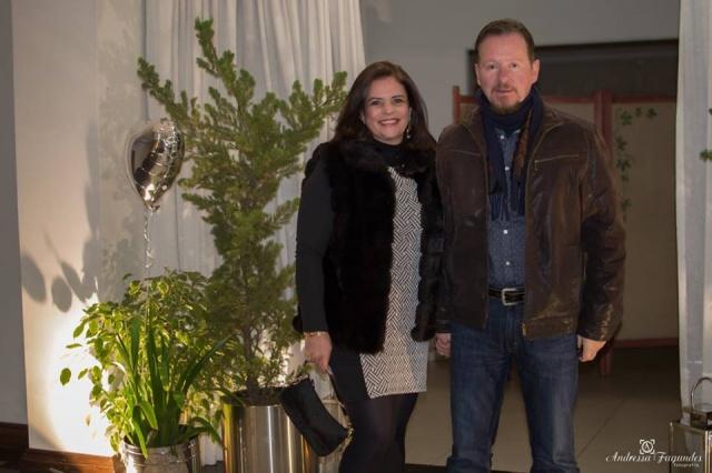 Celeste e Paulo Marques marcando presença na Noite dos Namorados do Serrano Tênis Clube Foto Andressa Fagundes