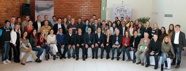 Imprensa e empresários reunidos, durante encontro promovido pela Fiesc e Associação Catarinense de Imprensa no Sesi Lages Foto Sandro Scheuermann