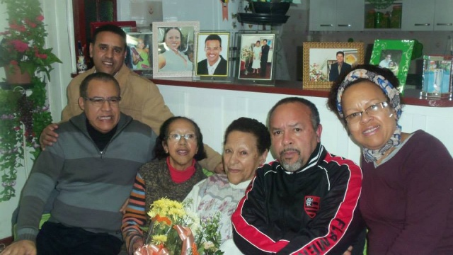 Hoje é dia de festejar os 90 anos de Ana Rodrigues, que nesta data mais que especial estará rodeada pelo carinho da família. Parabéns!!!