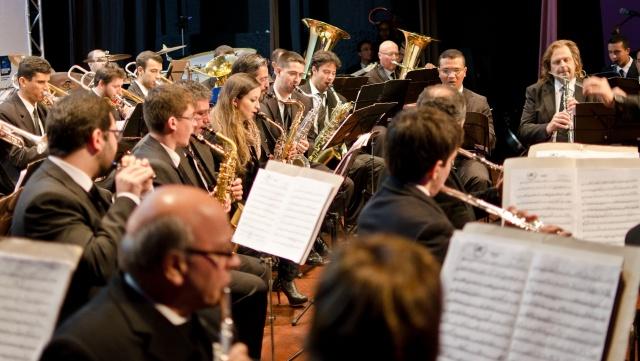 O Festival Internacional Música na Serra já é sucesso em sua quarta edição. Aproveite e prestigie os concertos noturnos diários que vão encantar com seus acordes até o dia 23 de julho Créditos Wilian Veronezi