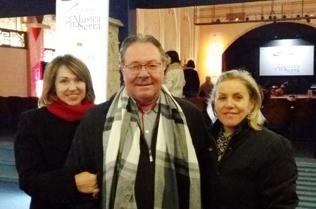 Alina e Luiz Carlos Luckner com a amiga Lourdes Castro em noite de Festival Música na Serra