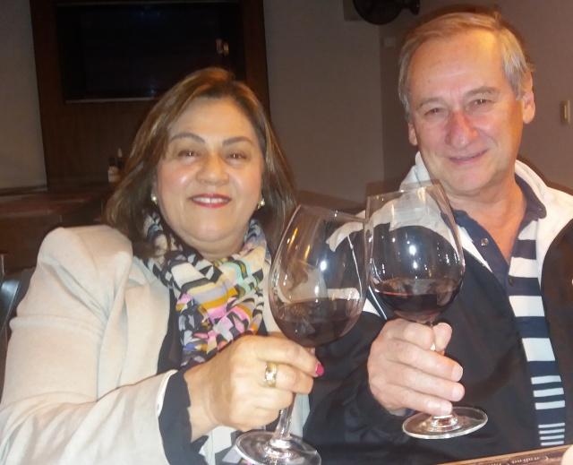 Eloína e José Mantovani... Um brinde serrano no litoral catarinense!
