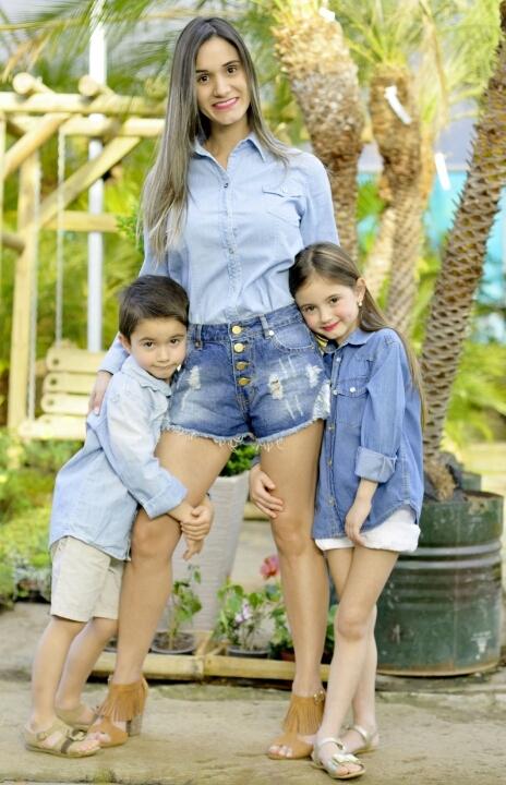 A esteticista Ariela Dias com os filhos e de malas prontos para a Argentina onde busca por novos projetos Foto Sandra Rosa