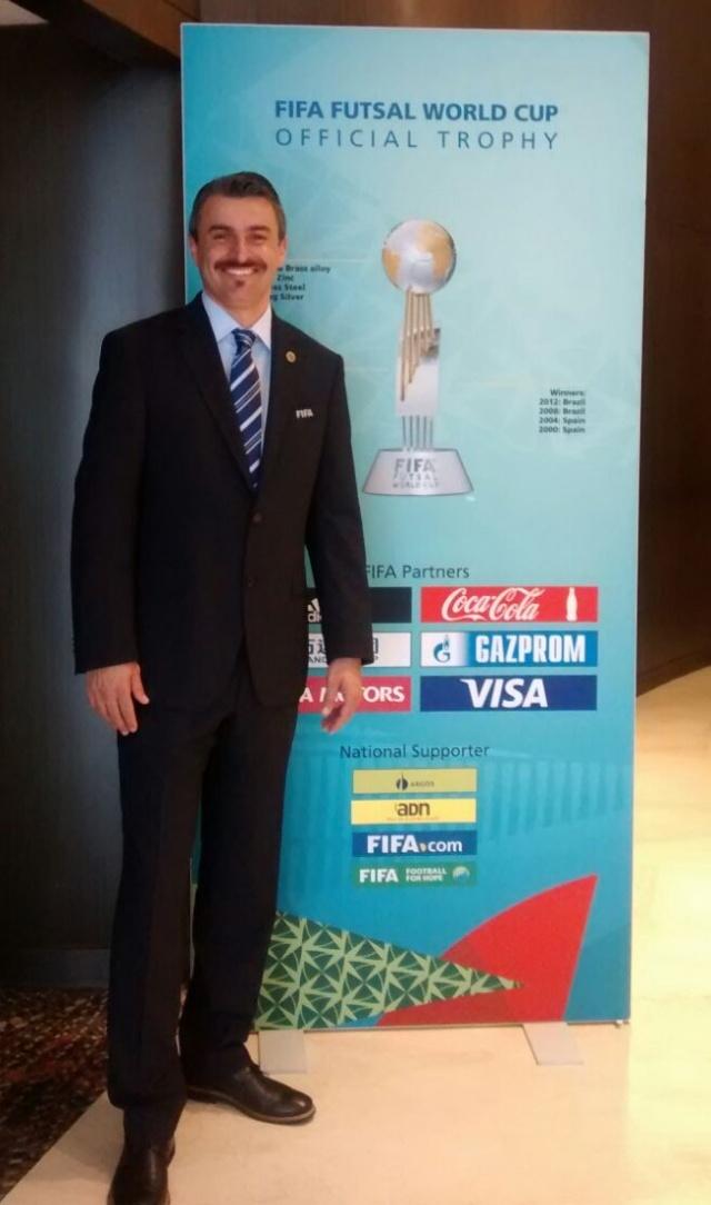 Destaque para o lageano Gean Coelho Telles que atuou como árbitro na Copa do Mundo de Futsal na Colômbia. Detalhe: Único brasileiro!! Aplausos!!