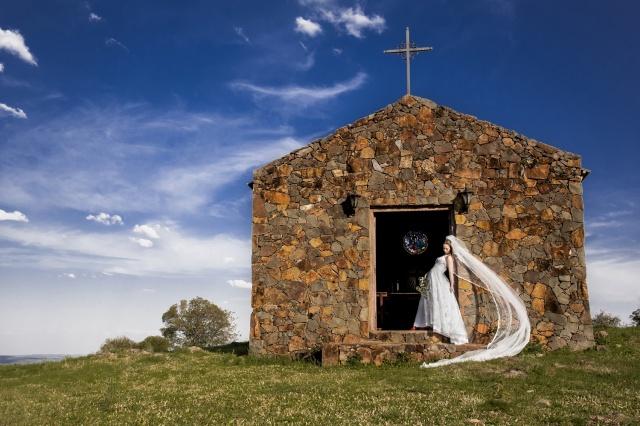 Devido à sua beleza arquitetônica, a capela da Vinícola Abreu Garcia tem sido muito procurada para ensaios fotográficos… E o resultado é maravilhoso! Foto AbreuGarcia/Divulgação