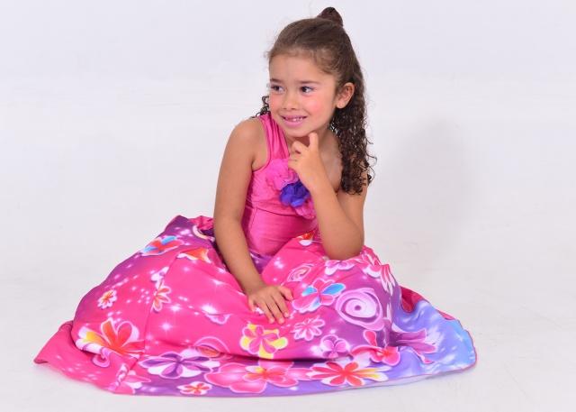 Coisa mais fofa! A princesa Clara Oliveira está em contagem regressiva para a comemoração dos seus 6 aninhos. A feliz data acontece dia 31 de março, pertinho de sua pai Jaime Oliveira que aniversaria um dia antes. Parabéns duplos!