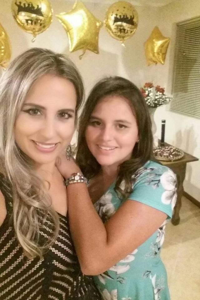Feliz aniversário para Aline Schmitz de Liz e Maria Eduarda de Liz Vieira. As duas lindas, mãe e filha, festejaram juntas nesse mês de abril a feliz data. Parabéns!!!