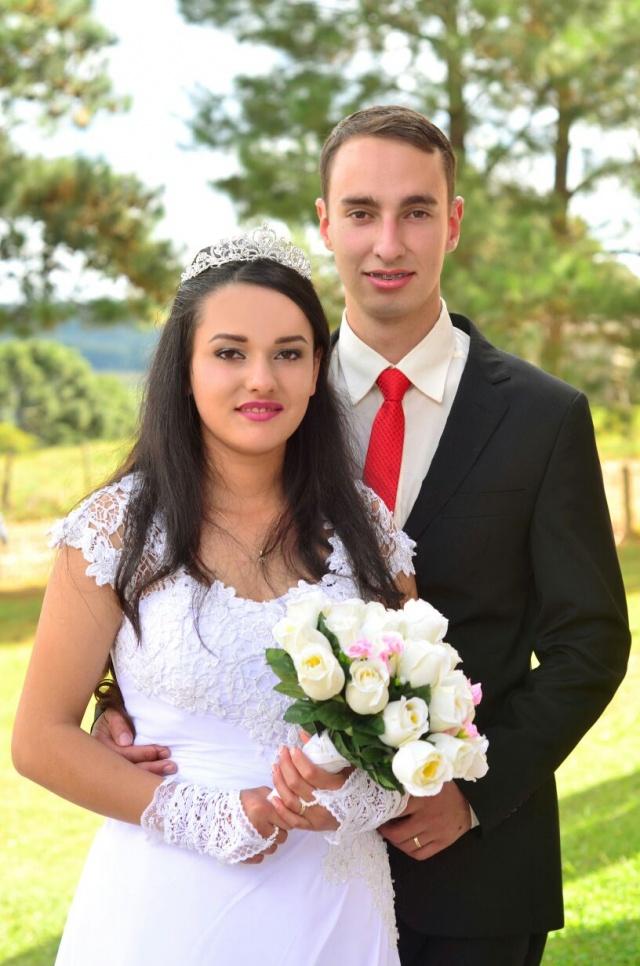 Felicidade que vem de São José do Cerrito... Todo o amor dos recém casados Wagner e Katiane! Foto Sandra Rosa