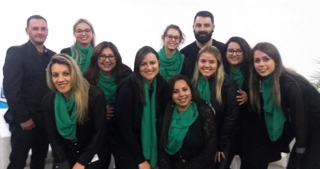 Com programação diversificada, está acontecendo essa semana no CCJ da Uniplac, a Semana Acadêmica do Curso de Psicologia. Um registro na noite de abertura, da coordenadora Vivian Oliveira com sua equipe organizadora.