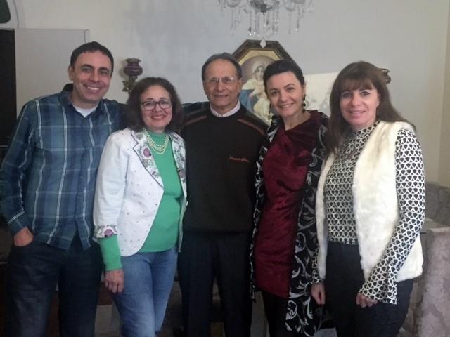 Dr Ivo de Aquino Amarante soprou velinhas essa semana, em uma comemoração com a família e que celebrou seus 80 anos. Na foto, com sua esposa Aninha e os filhos Ivan Jr, Luciana e Neusa. Parabéns!!