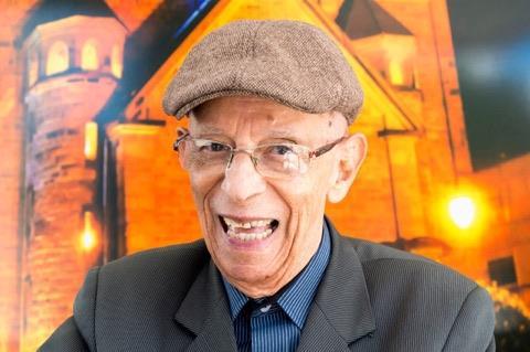 Toda alegria e energia boa do Professor Dedé, que completou nesse mês 90 anos!!!