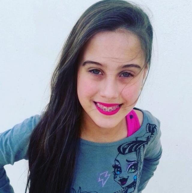 Isabelle Souza Timóteo, filha de Alessandra de Souza e Ronie Henrique Timóteo, é rainha da Tarde Infantil de São João, que vai ser realizada no Clube Caça e Tiro, nesse domingo, a partir das 15 horas.