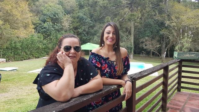 Paula Cardoso festejou seu aniversário rodeada por amigos. Entre eles, a especial amiga e sócia na Conviteria Pano & Papel, Carla Zonatto