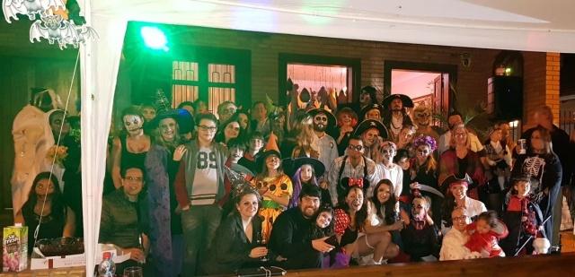 Hoje é o Dia das Bruxas e a segunda edição do Halloween do Beco  foi aterrorizantemente divertida!!!!
