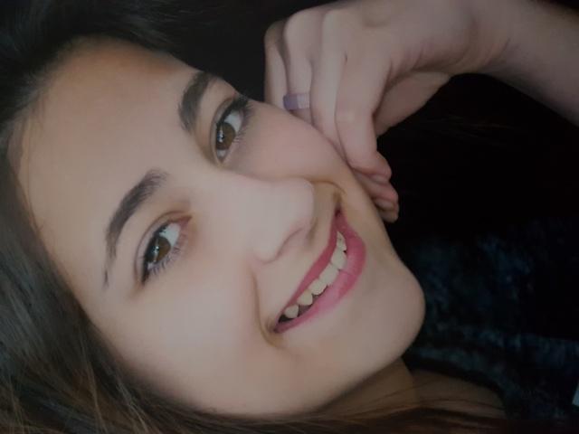 E já é nesse sábado o concurso Miss Brotinho. Hoje é dia de conferirmos o sorriso lindo de mais uma candidata: Manuela Grisolia de Oliveira, que estará encantando na passarela do Clube Caça e Tiro