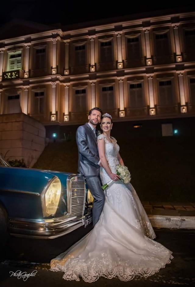 Um verdadeiro conto de fadas. Assim foi o casamento de Katarini Castanhel e Artur Scortegagna Pagani Foto Photographic