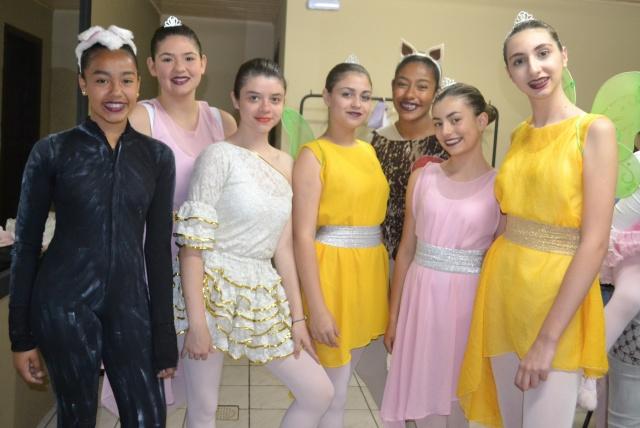 """Um click lindo das belas bailarinas da Academia de ballet Liz Velho, que encantaram o público em suas apresentações de fim de ano, com o espetáculo """"A Magia do Natal"""""""