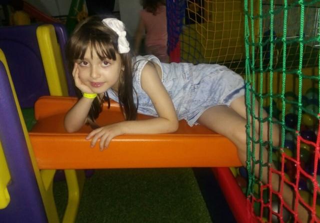 Soprando velinhas nesse 29 de janeiro, Amanda Pegoraro Vieira, que completa seis anos! Parabéns para esta linda princesa!