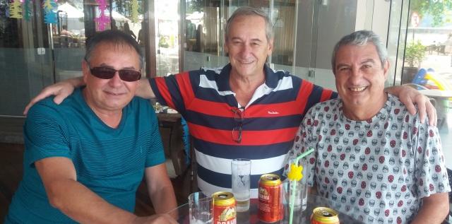 No litoral Paulo Becker, José Carlos Mantovani e Luiz Antônio Ramos, aproveitaram o feriado de carnaval para colocar o papo em dia!