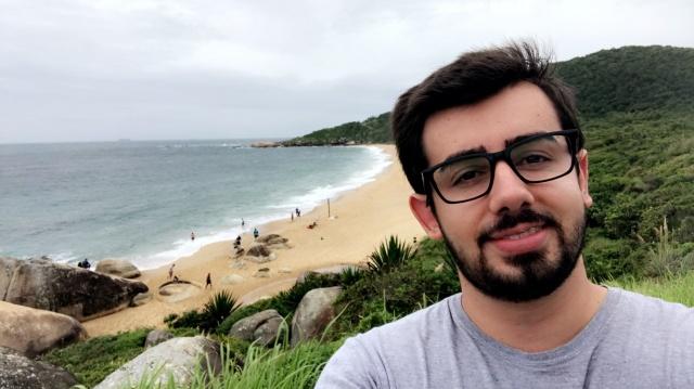 Fim de Férias O jovem lageano Filipe Oliveira retornou para Porto Alegre onde irá concluir o último ano de faculdade depois de curtir seus amigos e familiares no Litoral e na Serra Catarinense