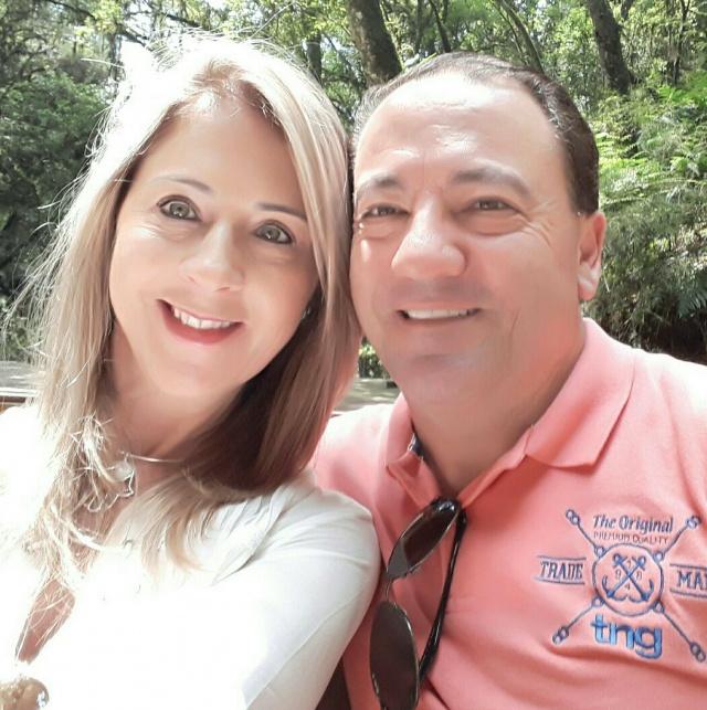 Marco Aurélio de Liz Marian, presidente do Conselho de Administração da Fundação Uniplac e Diretor da Concreserra Ltda, festejou seu aniversário essa semana ao lado da esposa Cristina. Parabéns!