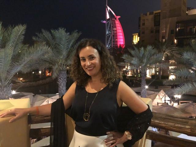 Ediane BachmannEstou esteve em Dubai participando da convenção de vendas da CVC 2018. No click a empresária em um dos mais belos cartões postais de Dubai: Burj Al Kalifa