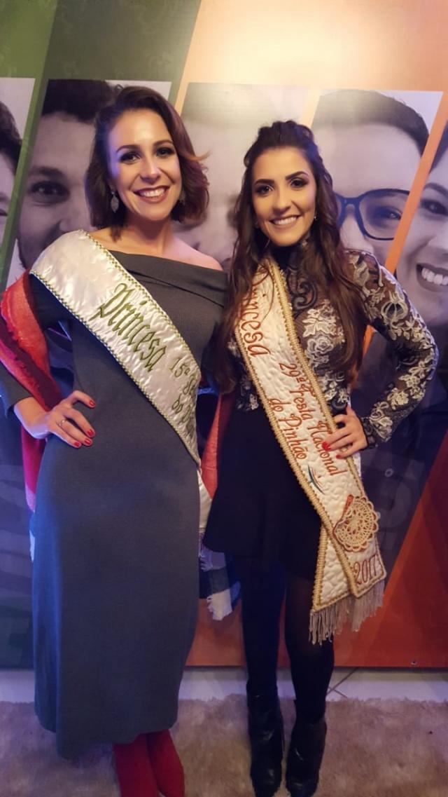 Um encontro das primas Princesas: Gabriela Koech de Araújo e Laura Koech