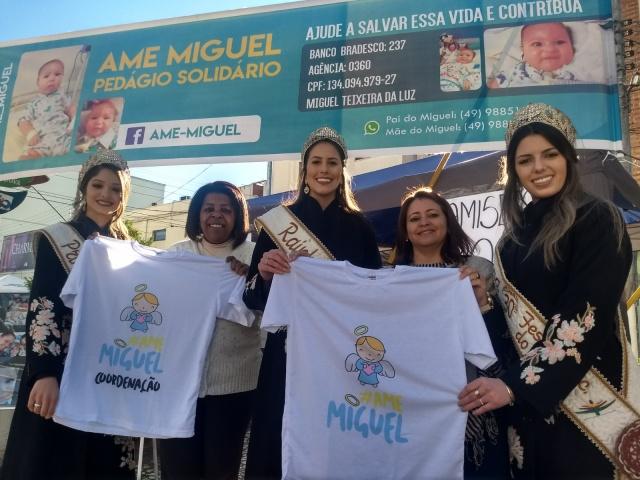 As soberanas do pinhão: Andressa, Ellen e Caroline apoiando a causa do pequeno Miguel no Recanto do Pinhão