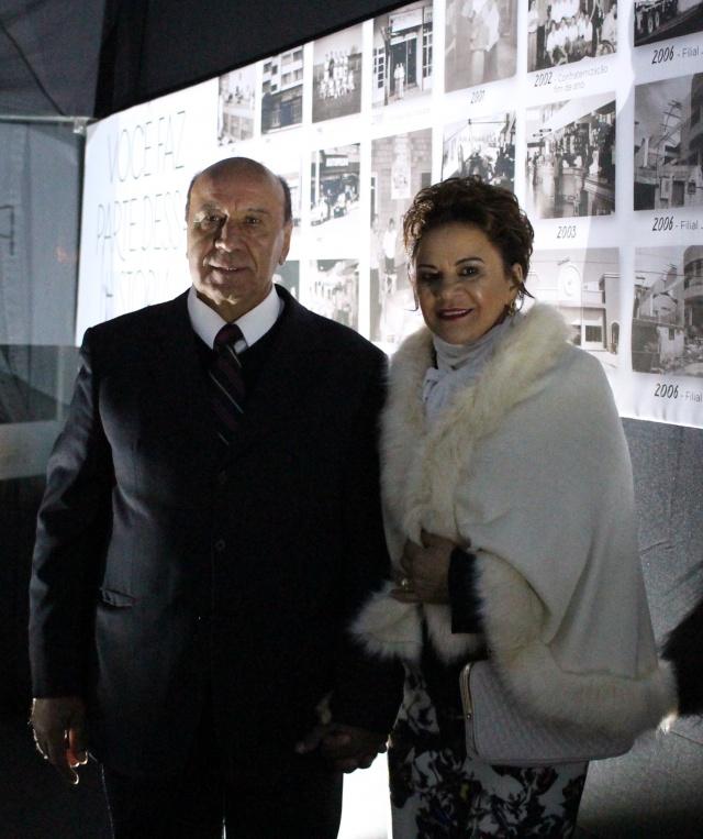 João Gomes e sua esposa Rosa Gomes fundadores da empresa, Disauto Distribuidora de Autopeças Ltda comemorando, 30 anos de empresa, com a presença de sua família, colaboradores, fornecedores, clientes e amigos