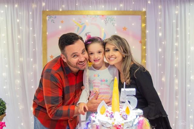 Felicidade de Dany e Dayane Borsatto no aniversário de 5 aninhas da linda princesa Maria Carolina. Foto Cloud Photographyc