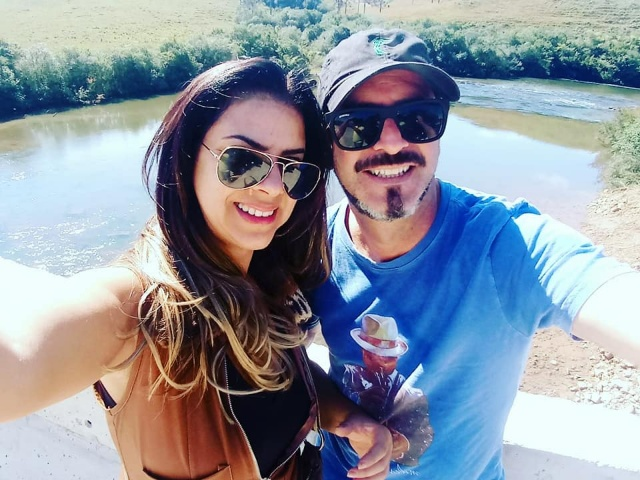 Dia de soprar velinhas com Vera Tigre Duarte, que nesta noite festejará seu aniversário entre amigos, família e ao lado do marido Armando José Duarte. Parabéns!
