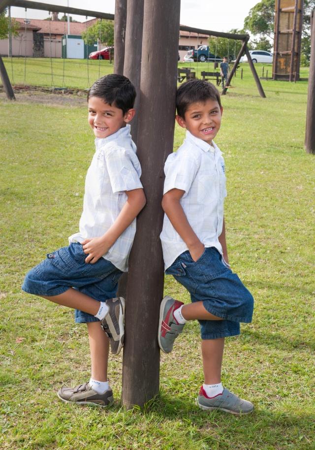 Esses gêmeos são uns lindos! Samuel e Murilo Concer Parizotto Pimentel