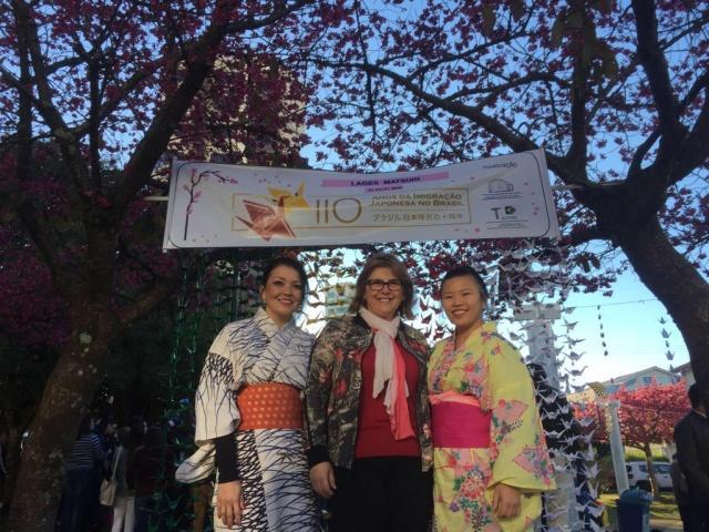 A empresária Lígia Pagani Vedana prestigiou a 1ª Lages Matsuri, festival que celebrou os 110 anos da colonização japonesa no Brasil. O evento lindíssimo for realizado no Parque Jonas Ramos.