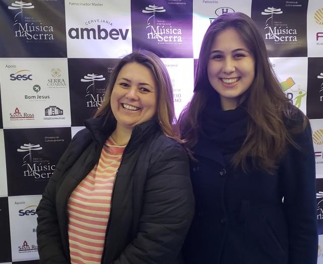 Natália e Patrícia Martins Claudino dos Santos: Mãe e filha em noite de Música na Serra