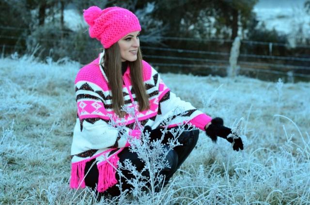 A psicóloga Amabile Tamiris Deucher Gargaro deixando o frio serrano ainda mais bonito. Imagem linda demais!!