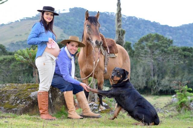A família de João Marcos e a Larissa Hugen vai aumentar. Esse casal lindo apaixonado por animais está mais que feliz à espera da pequena Maria Isadora