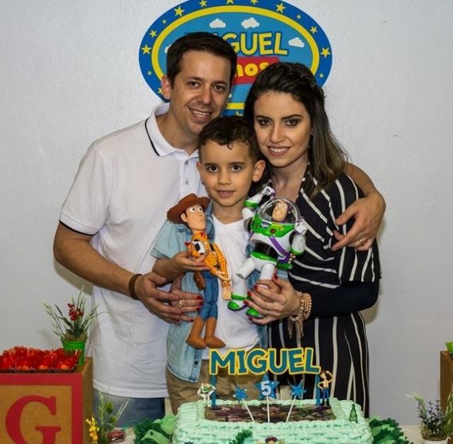 Foi com muita alegria que Franciele e Diego festejaram os 5 aninhos do filho Miguel da Silva Pissetti. Parabéns!