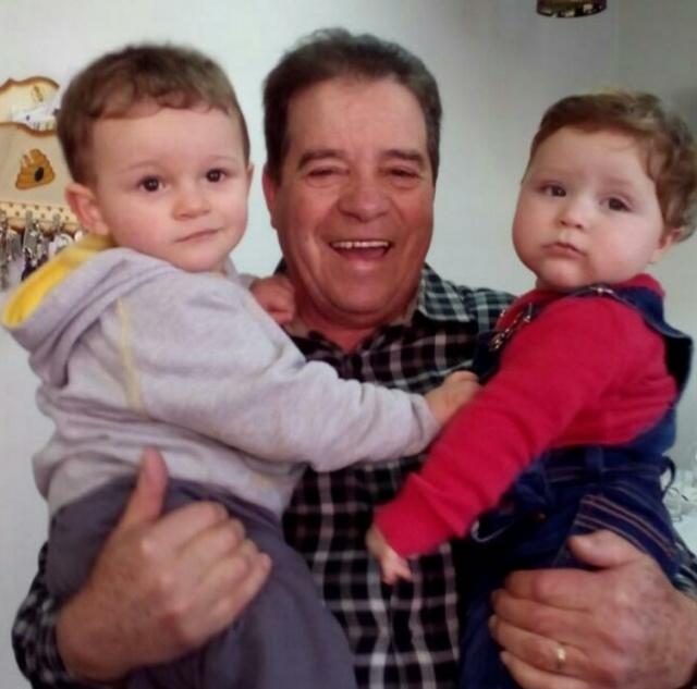 O empresário Francisco Assis Matos aniversariou recentemente e festejou a data com familiares e com seus netinhos, Lorenzo e Miguel. Amores do vovô!