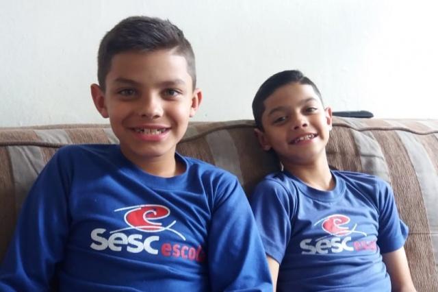 Murilo e Samuel Concer Parizotto Pimentel. Dez anos desses gêmeos lindos. Parabéns!